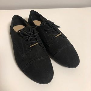 Aldo - Black suede oxford flat